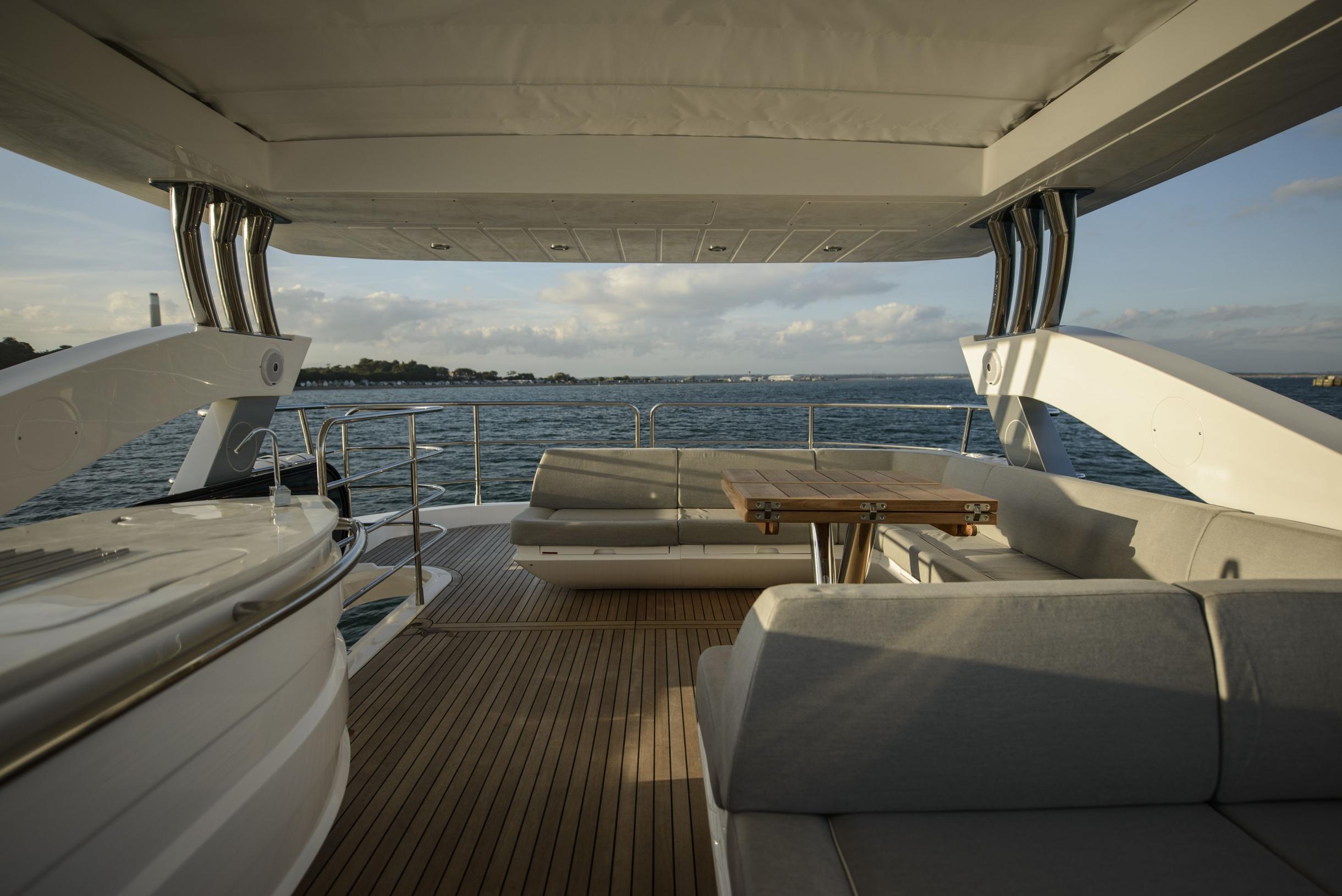 Sunseeker 75 Yacht (REF. SS-7516) | Экстрьер 11
