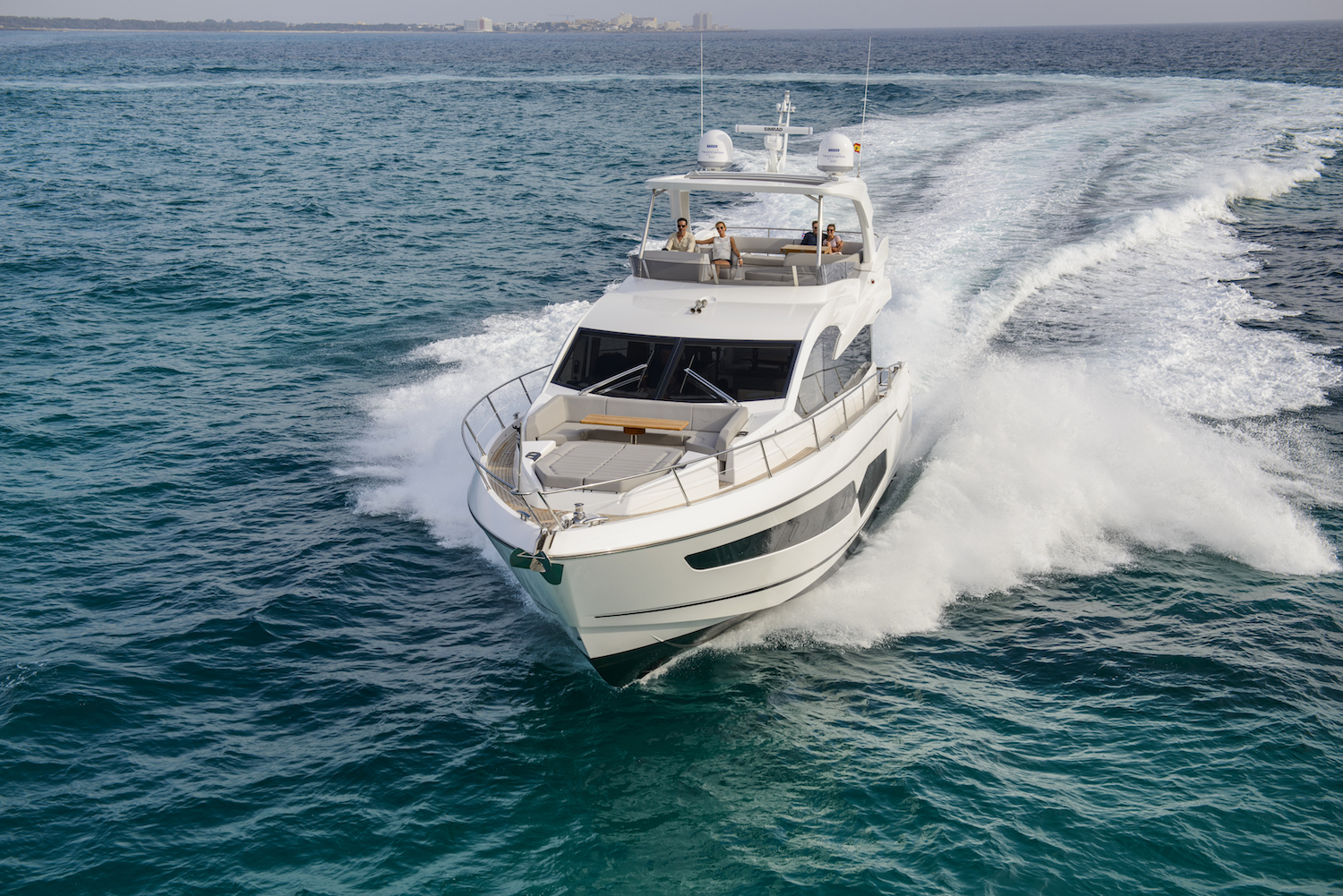 Sunseeker Manhattan 66 | Экстрьер 2