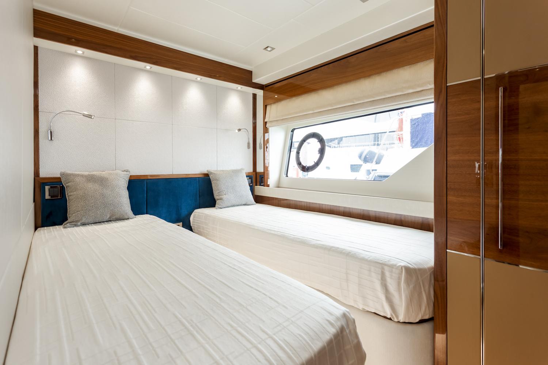 Sunseeker 76 Yacht | Интерьер 22