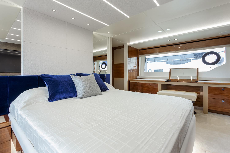 Sunseeker 76 Yacht | Интерьер 13