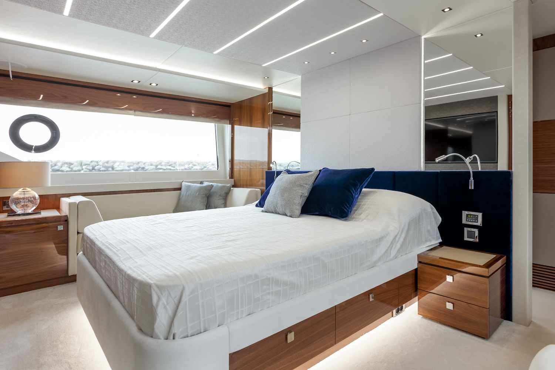 Sunseeker 76 Yacht | Интерьер 15