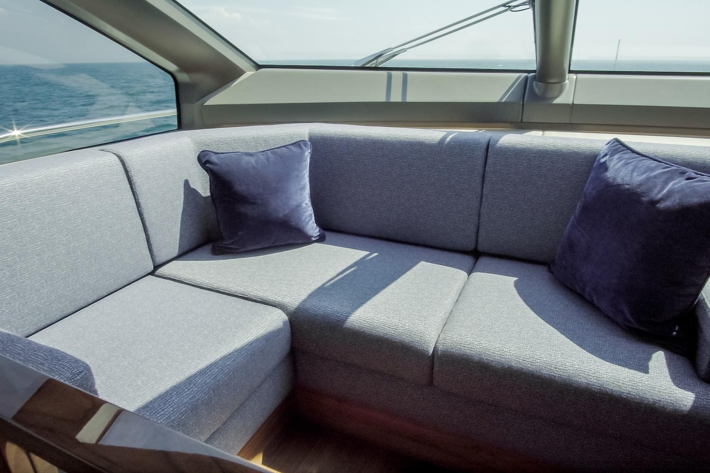 Sunseeker 76 Yacht | Интерьер 9
