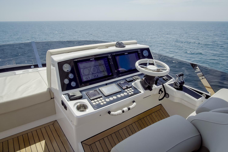 Sunseeker 76 Yacht | Экстрьер 18