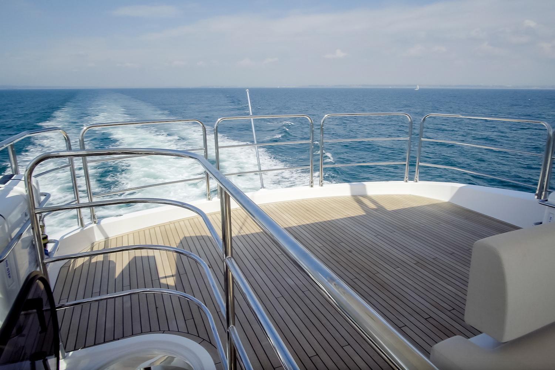Sunseeker 76 Yacht | Экстрьер 17