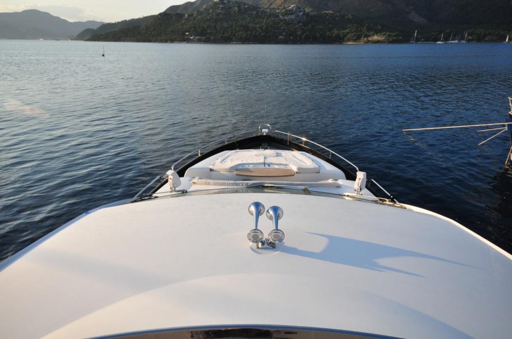 Sunseeker 88 Yacht (REF. SS-8810) | Экстрьер 8