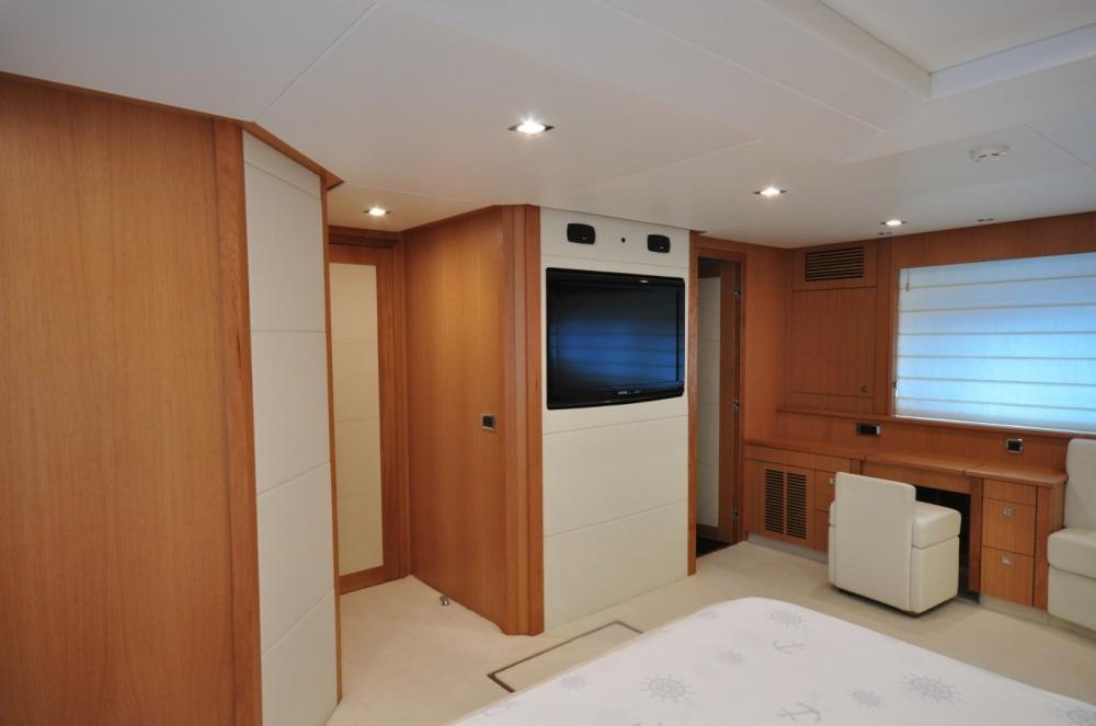 Sunseeker 88 Yacht (REF. SS-8810) | Интерьер 12