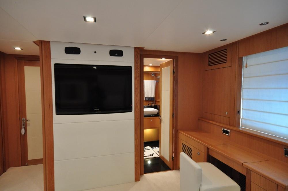 Sunseeker 88 Yacht (REF. SS-8810) | Интерьер 13