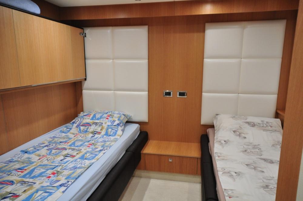 Sunseeker 88 Yacht (REF. SS-8810) | Интерьер 23