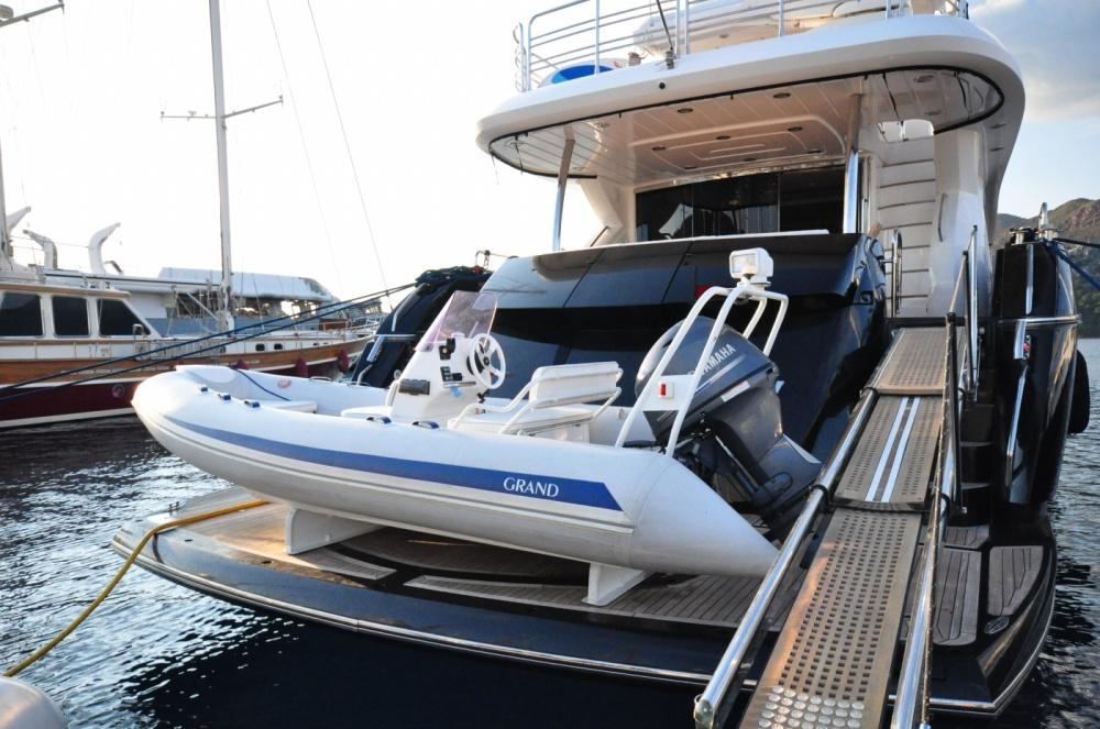 Sunseeker 88 Yacht (REF. SS-8810) | Экстрьер 19