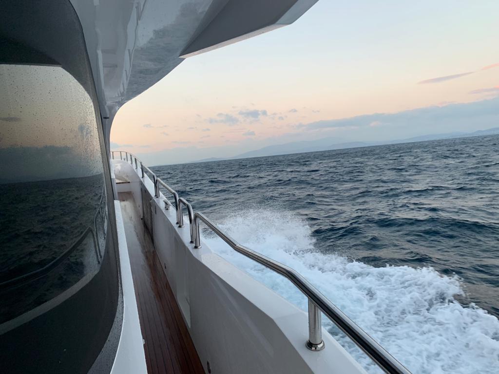 Sunseeker 86 Yacht   Экстрьер 4
