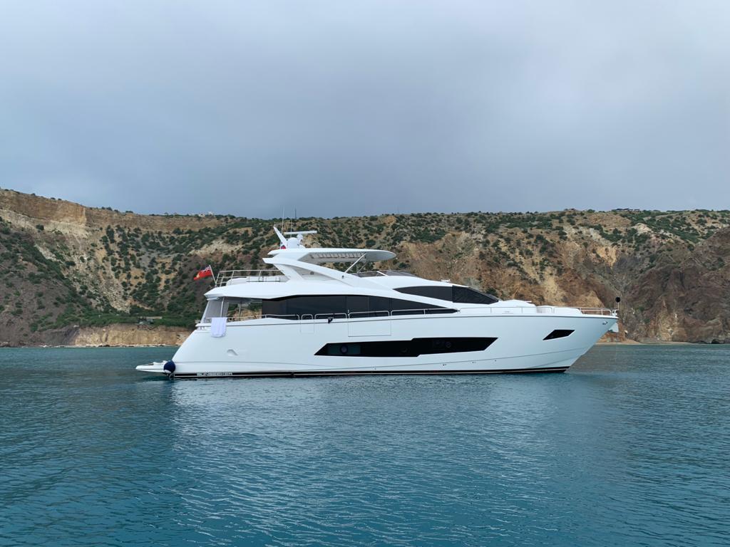 Sunseeker 86 Yacht   Экстрьер 3