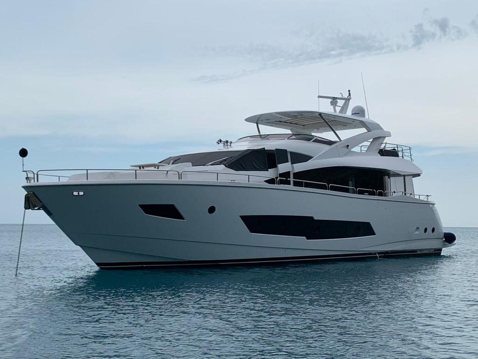 Sunseeker 86 Yacht   Экстрьер 1