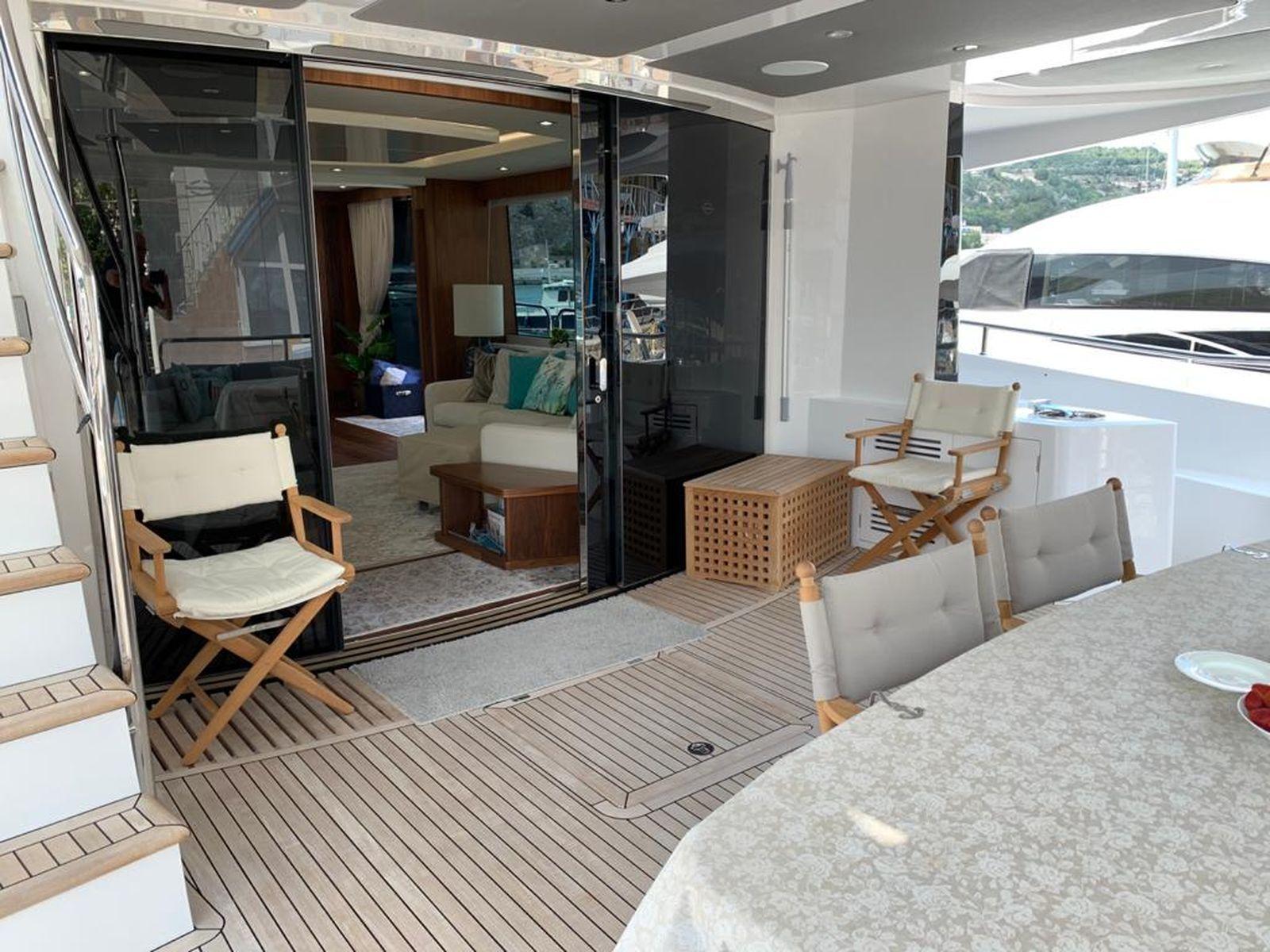 Sunseeker 86 Yacht   Интерьер 26