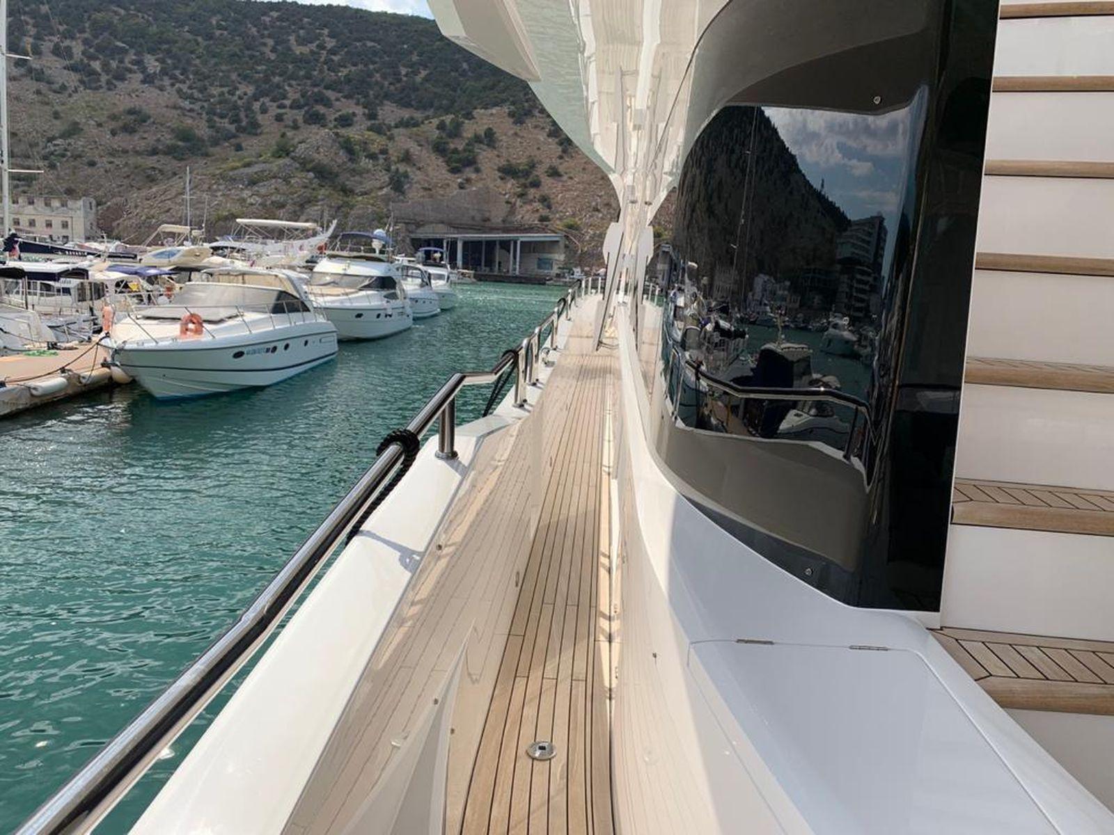 Sunseeker 86 Yacht   Интерьер 13