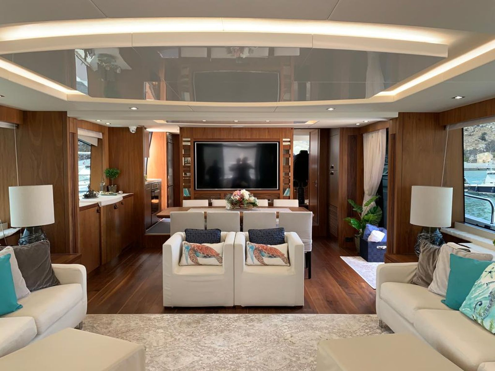 Sunseeker 86 Yacht   Интерьер 17