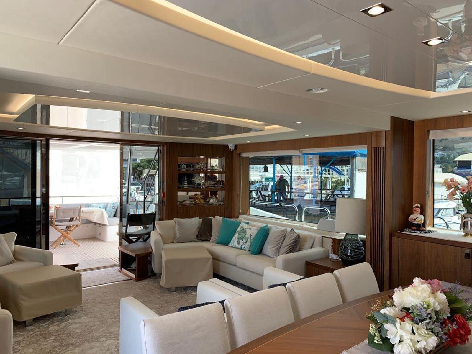 Sunseeker 86 Yacht   Интерьер 16