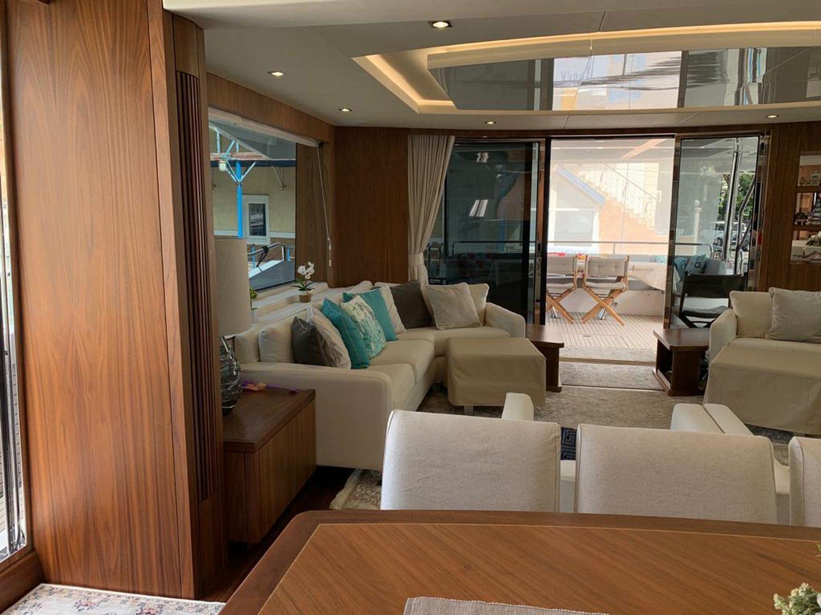 Sunseeker 86 Yacht   Интерьер 18