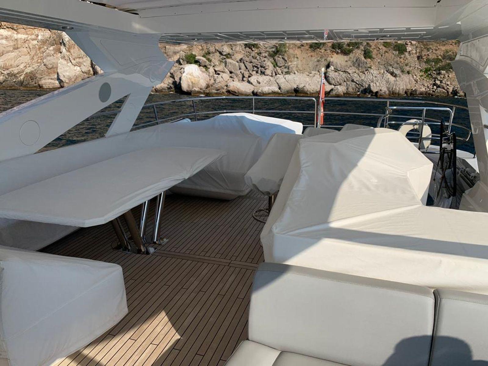 Sunseeker 86 Yacht   Интерьер 9