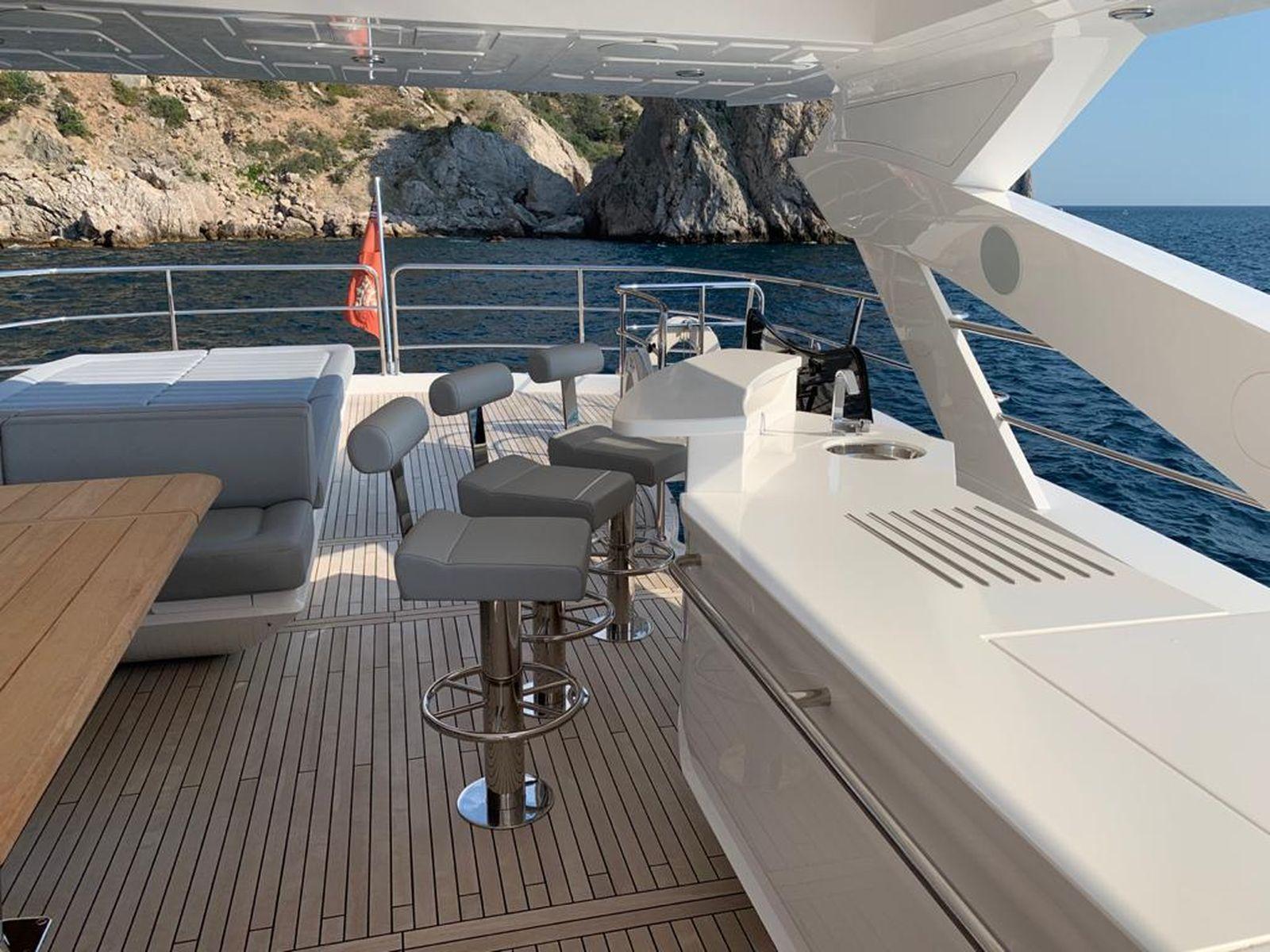 Sunseeker 86 Yacht   Интерьер 4