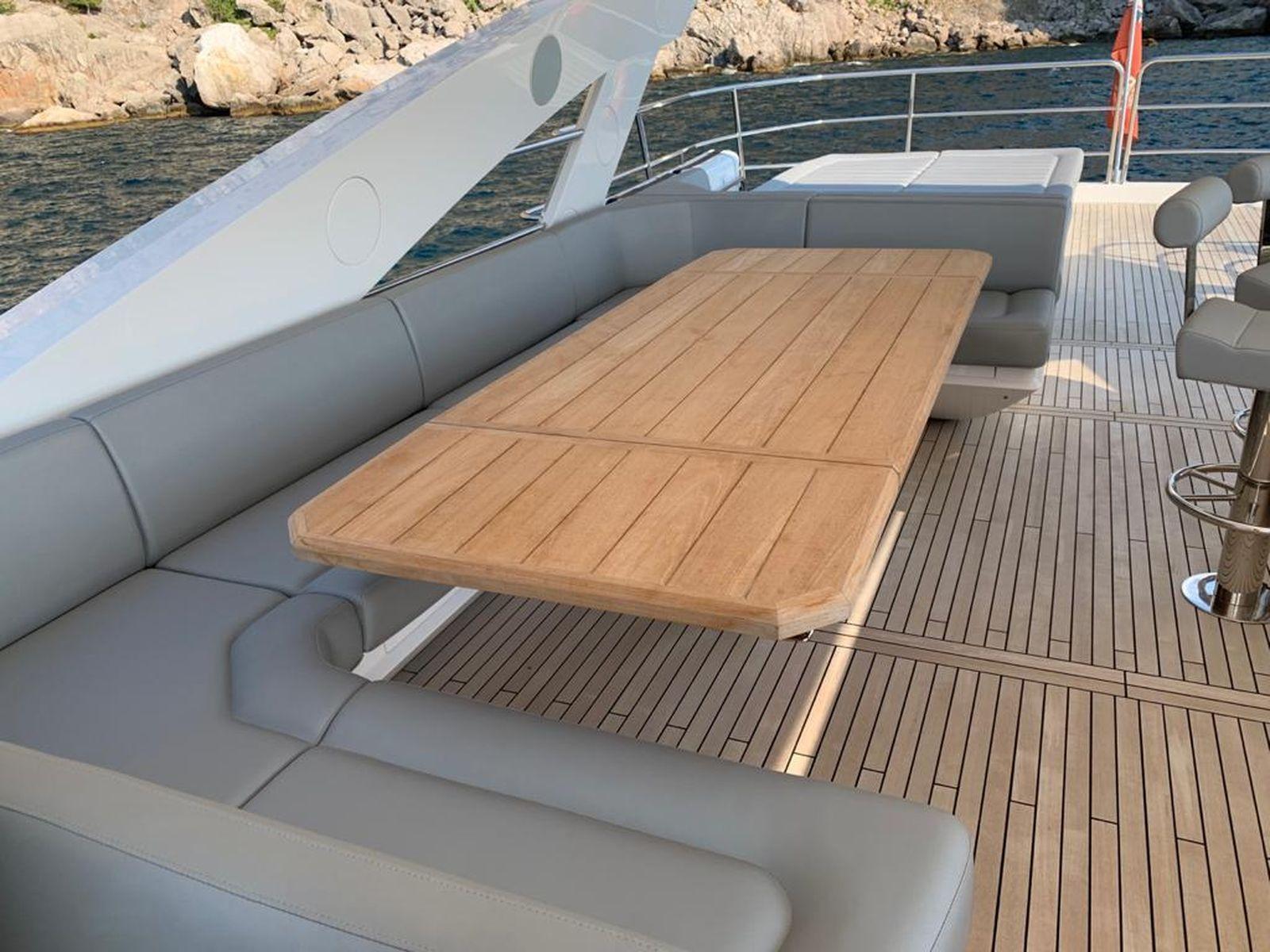 Sunseeker 86 Yacht   Интерьер 11