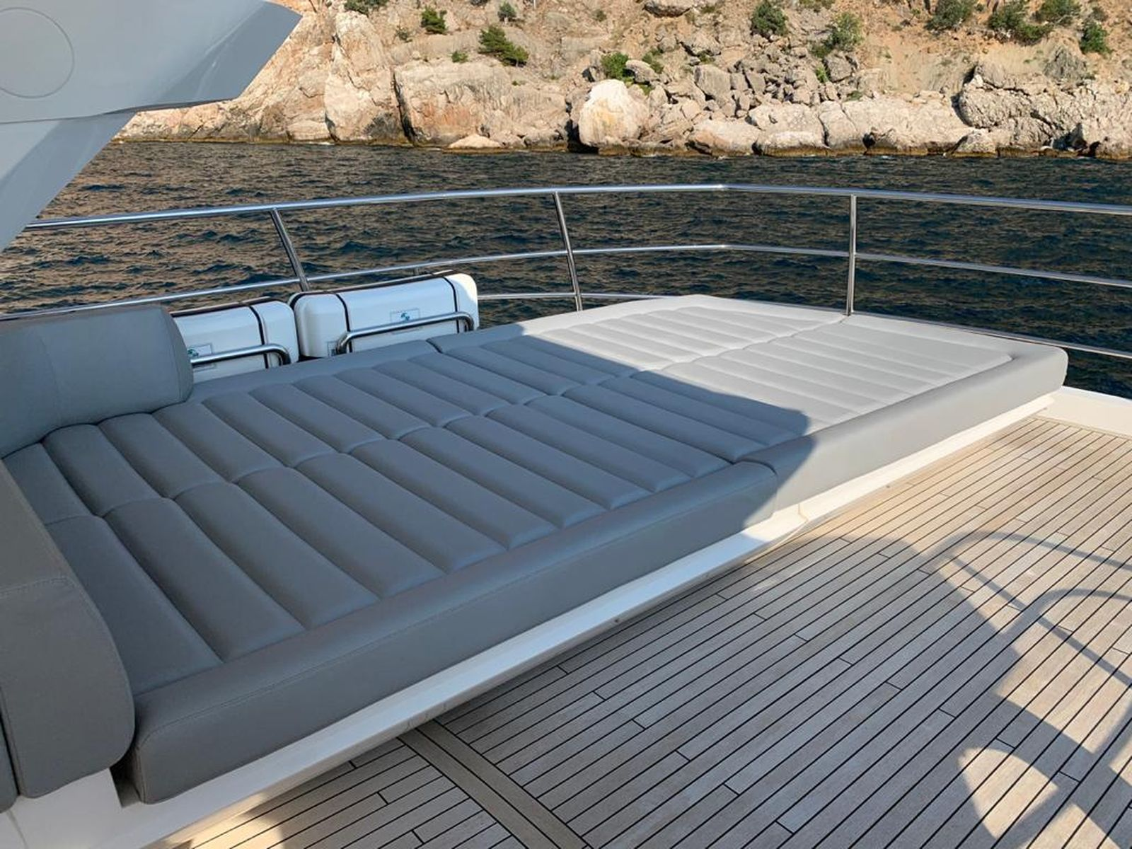 Sunseeker 86 Yacht   Интерьер 10