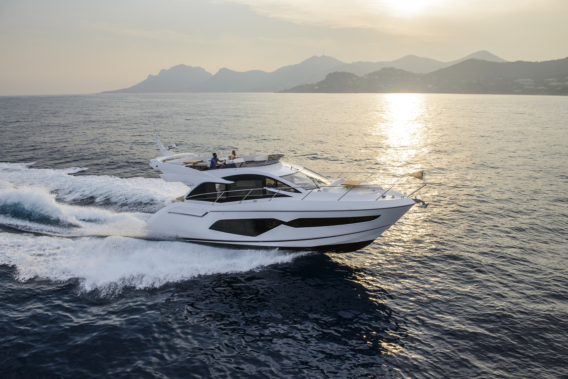 Sunseeker Manhattan 52 | Экстрьер 1
