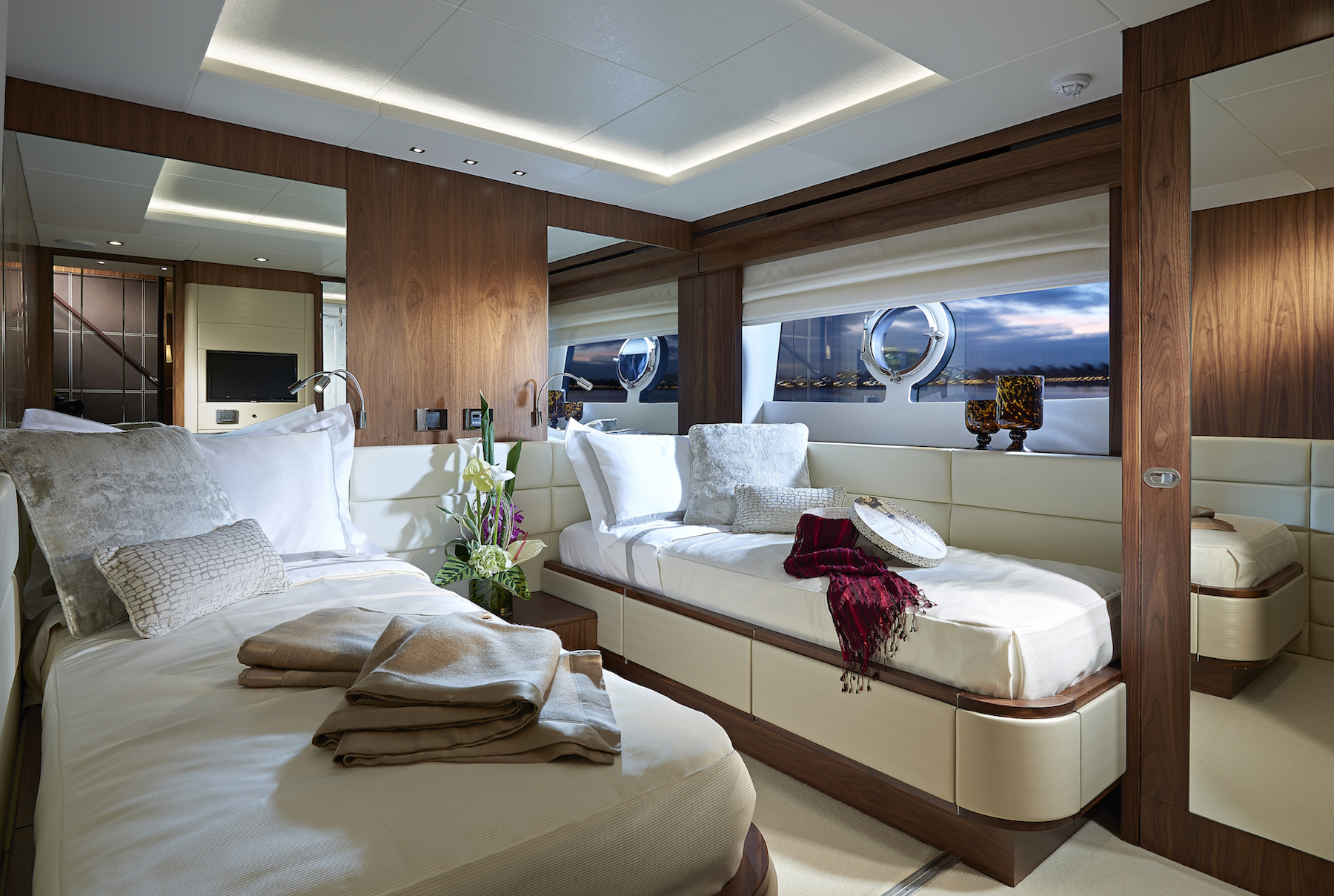Sunseeker 86 Yacht | Интерьер 10