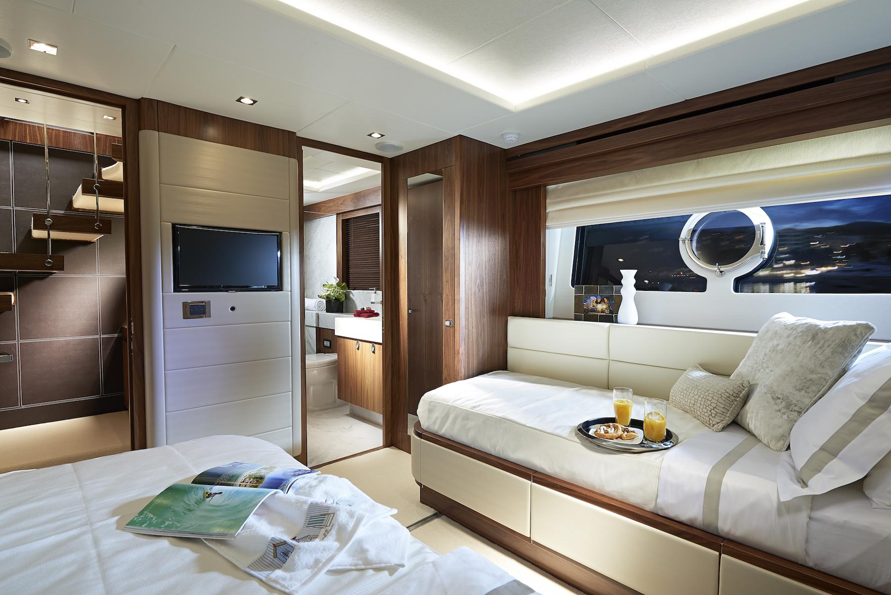 Sunseeker 86 Yacht | Интерьер 6