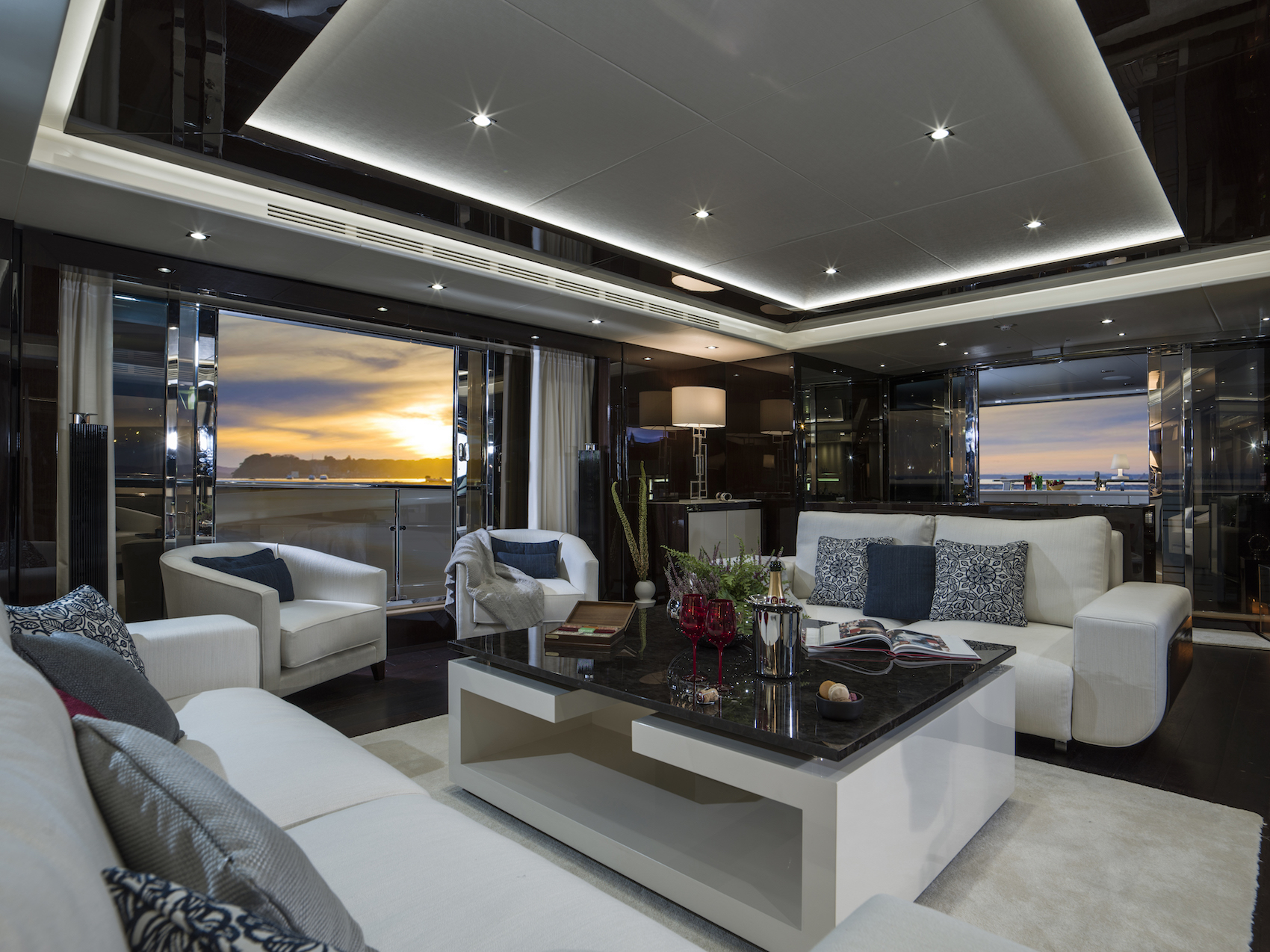 Sunseeker 116 Yacht | Интерьер 1
