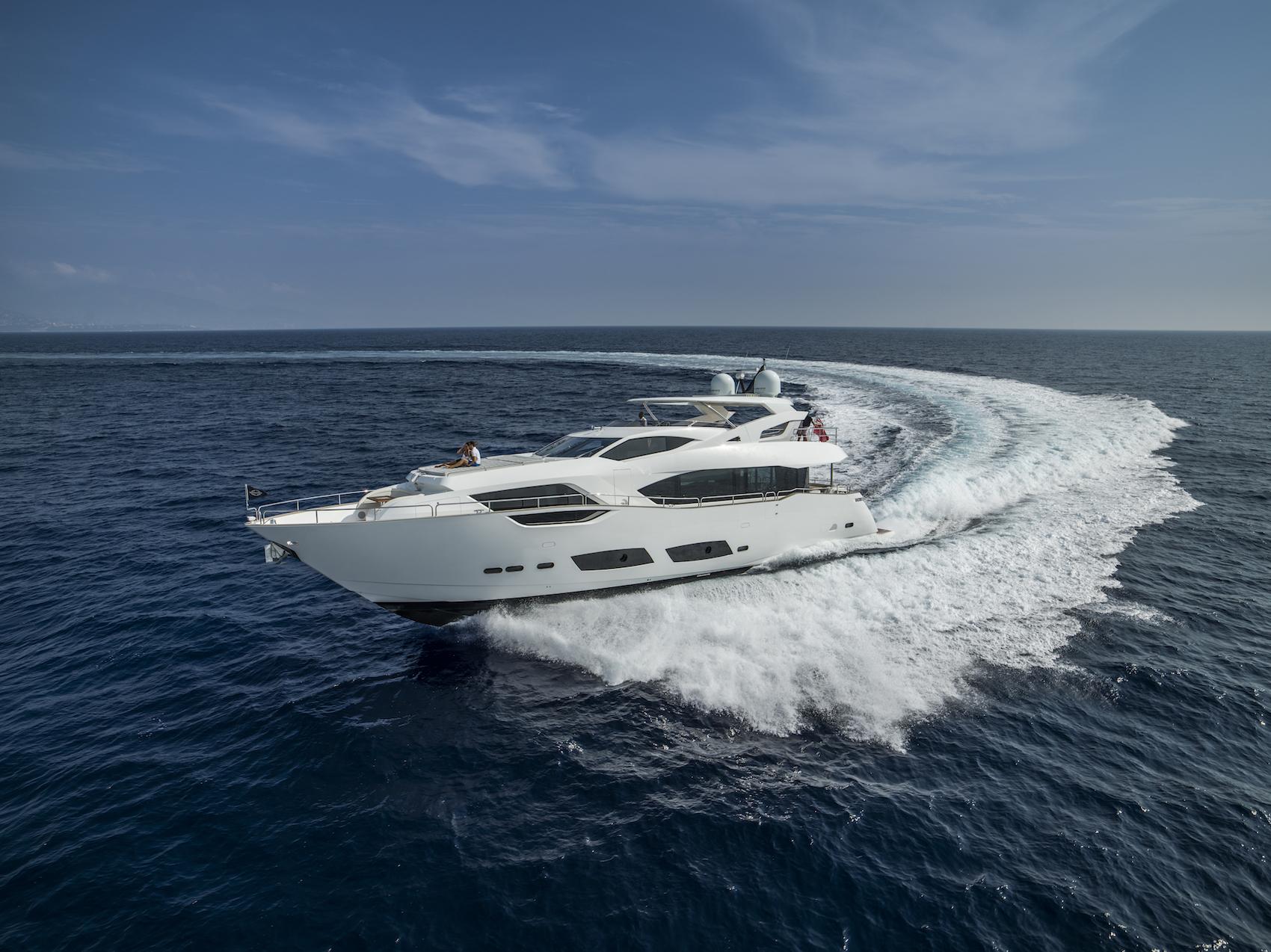 Sunseeker 95 Yacht | Экстрьер 4