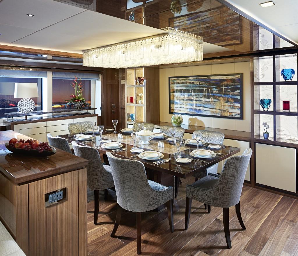 Sunseeker 131 Yacht | Интерьер 3
