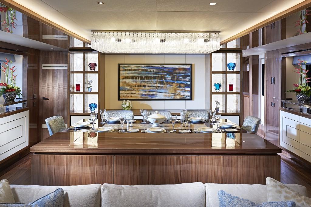 Sunseeker 131 Yacht | Интерьер 2
