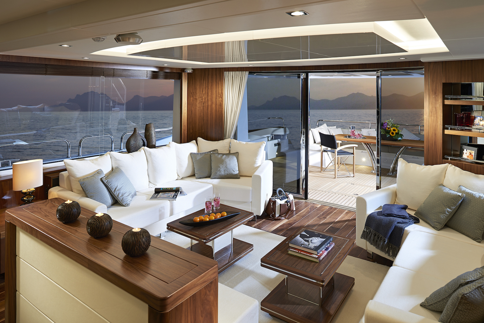 Sunseeker 86 Yacht | Интерьер 1