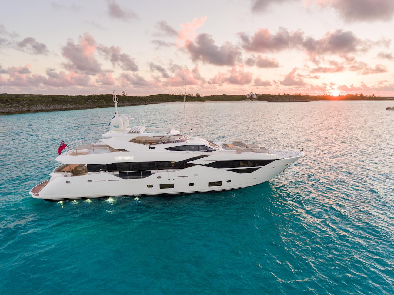 Sunseeker 116 Yacht | Экстрьер 3