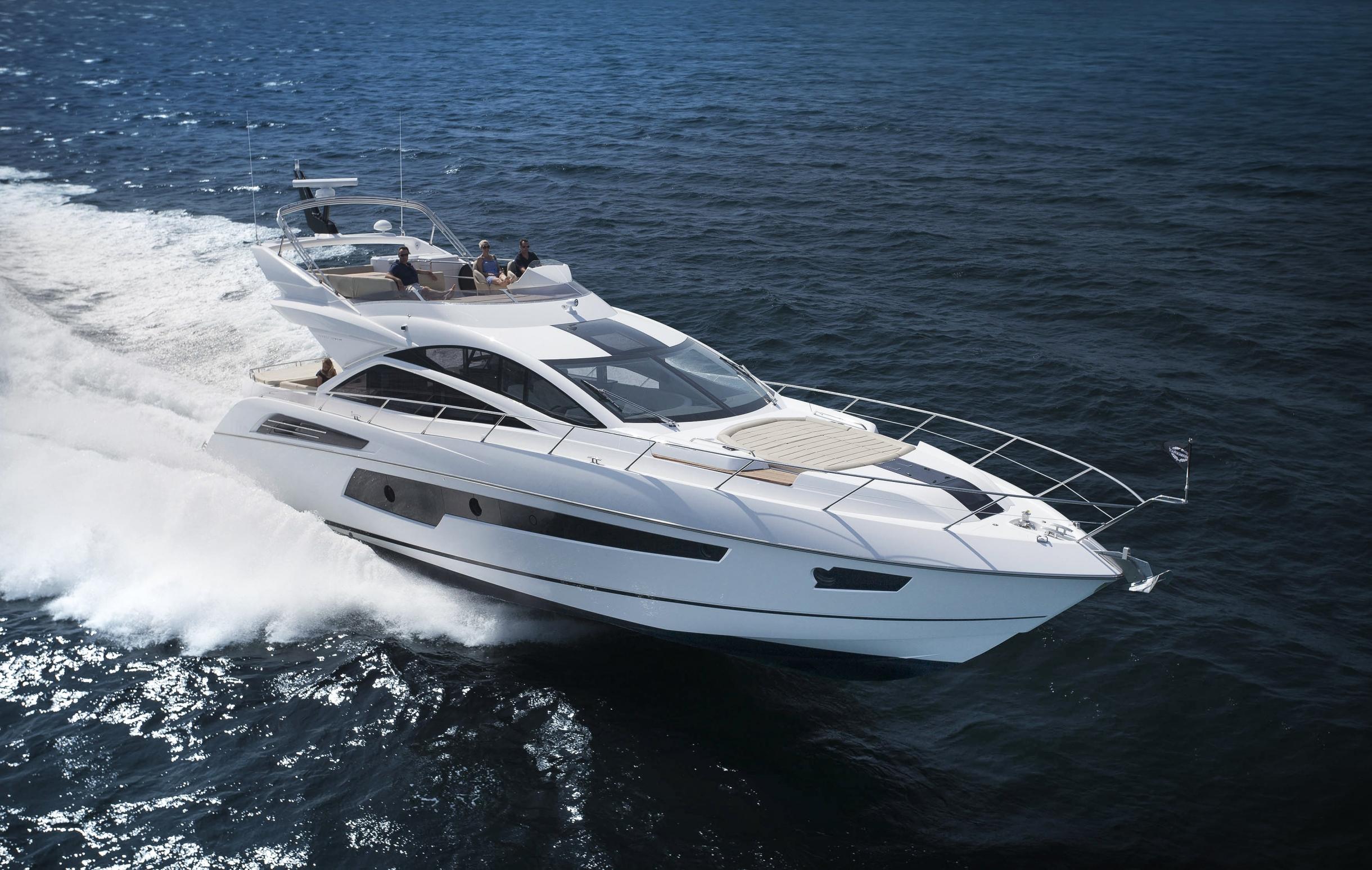 Sunseeker 68 Sport Yacht   Экстрьер 0