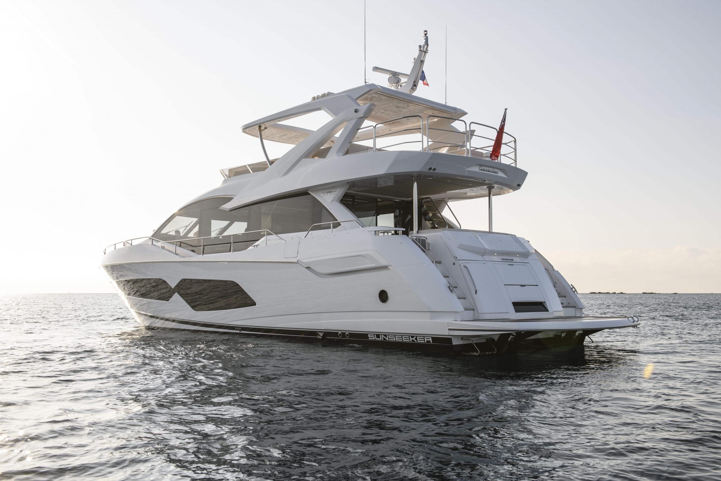 Sunseeker 76 Yacht | Экстрьер 5