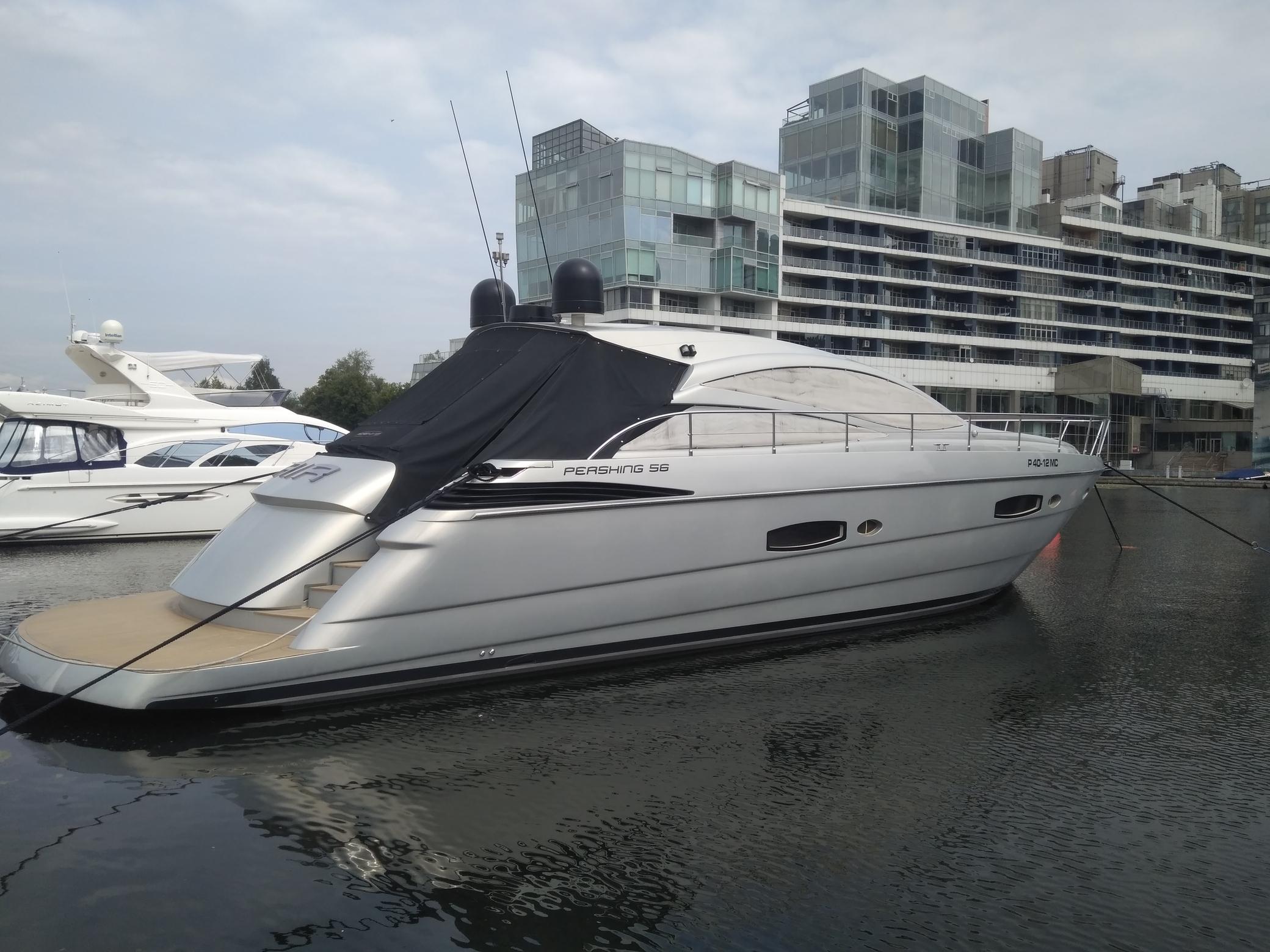Яхта Pershing 56 | Экстрьер 2