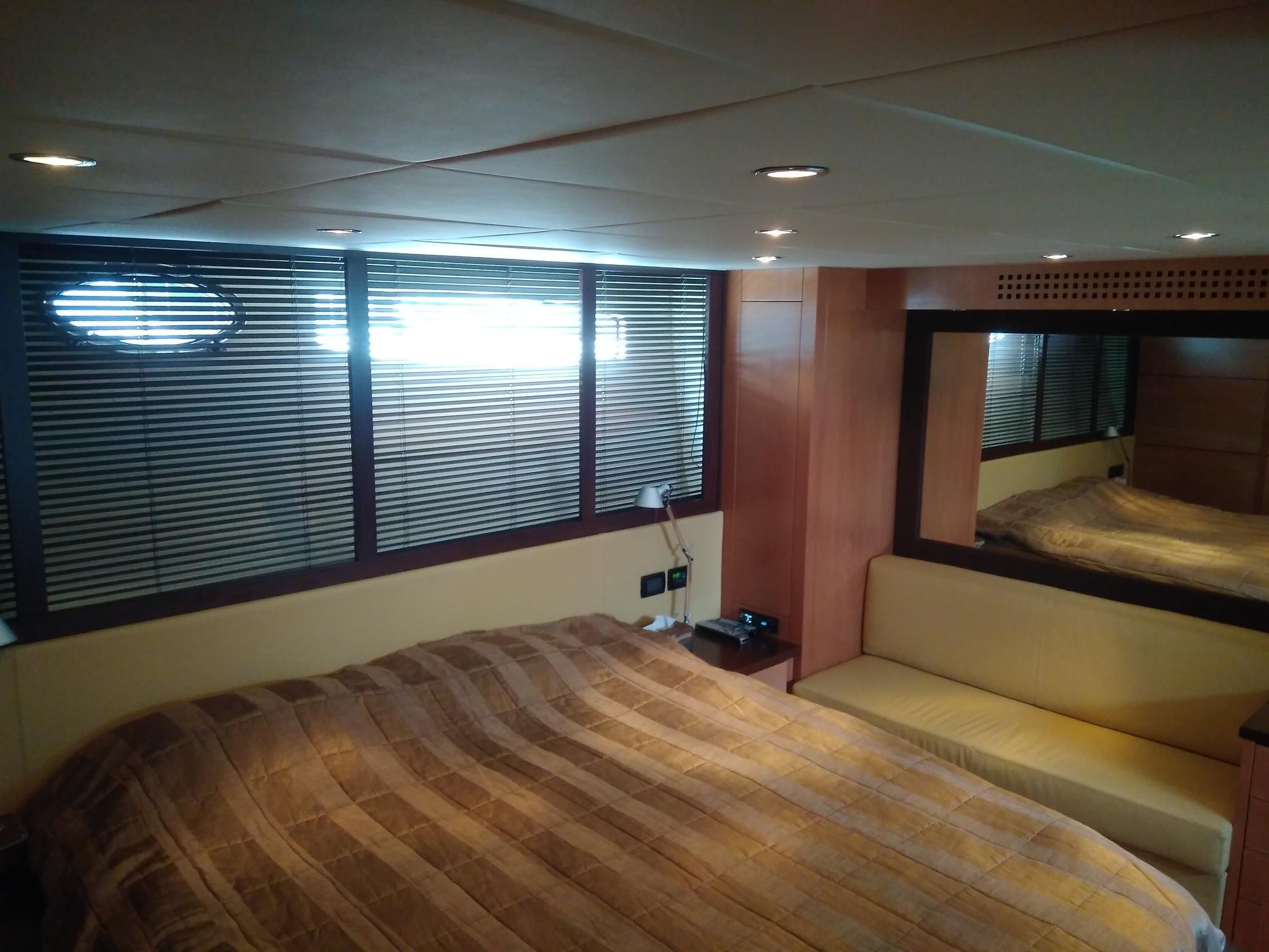 Яхта Pershing 56 | Интерьер 4