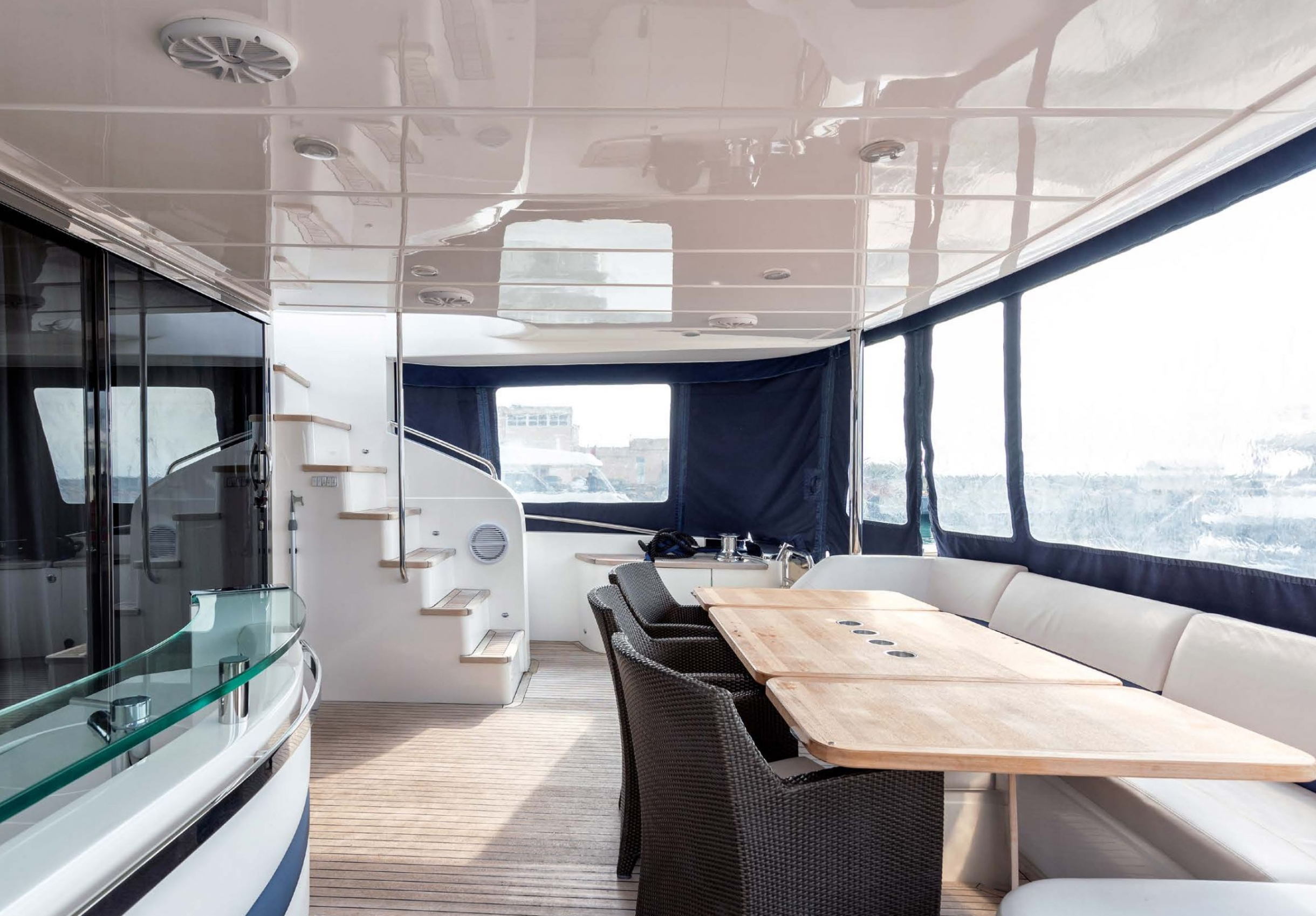 Яхта Princess 85 | Экстрьер 3