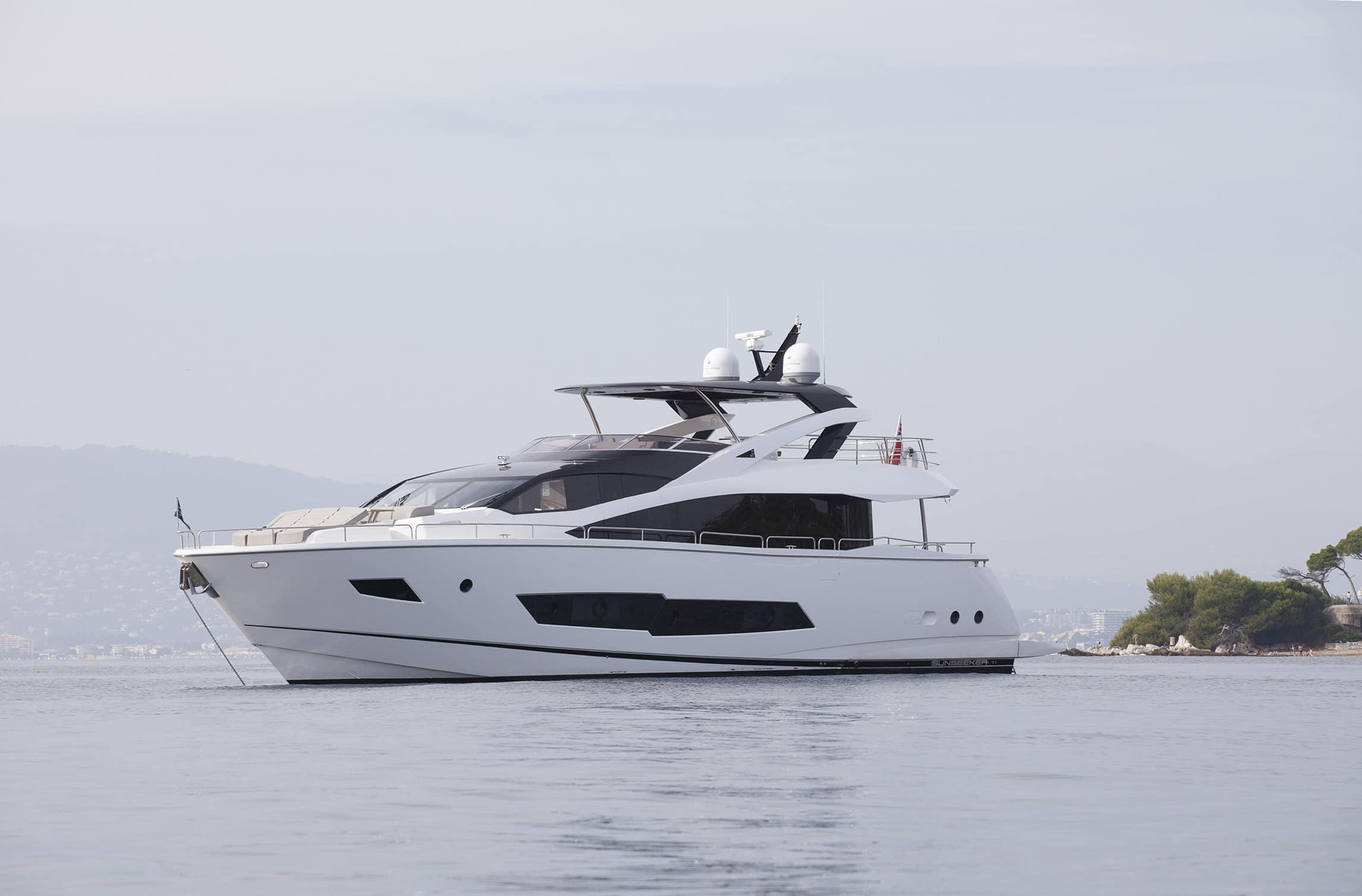 Sunseeker 86 Yacht | Экстрьер 5