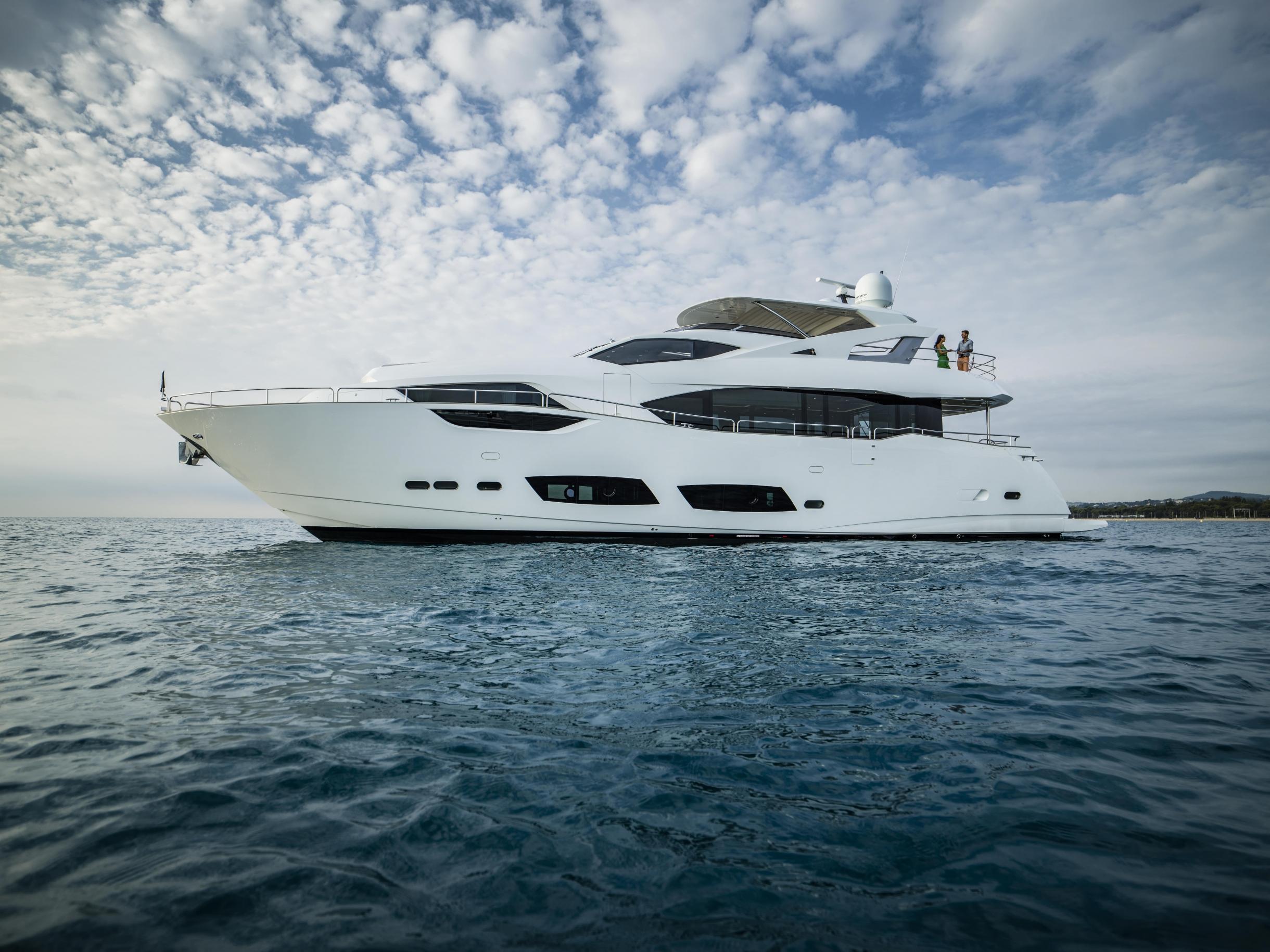 Sunseeker 95 Yacht | Экстрьер 0