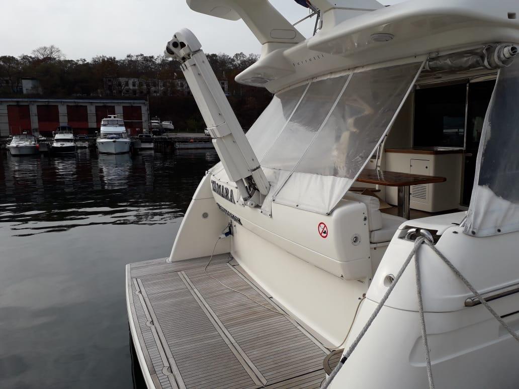 Яхта Ferretti 550 | Экстрьер 3