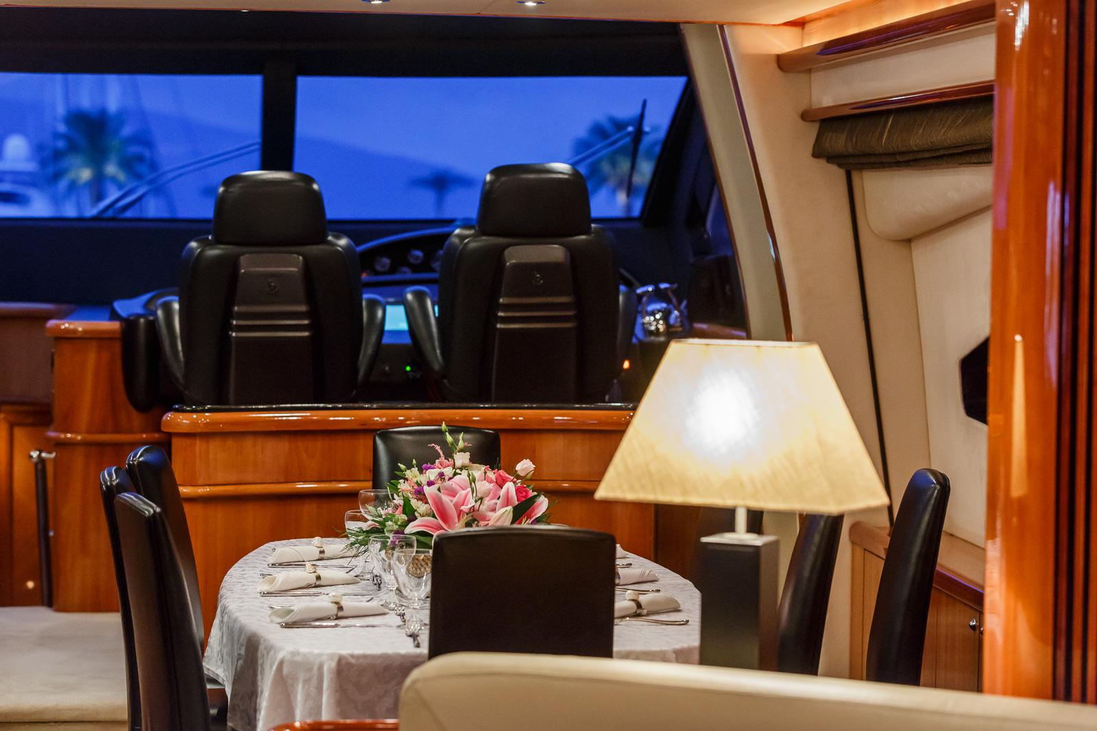 Sunseeker 82 Yacht | Экстрьер 20