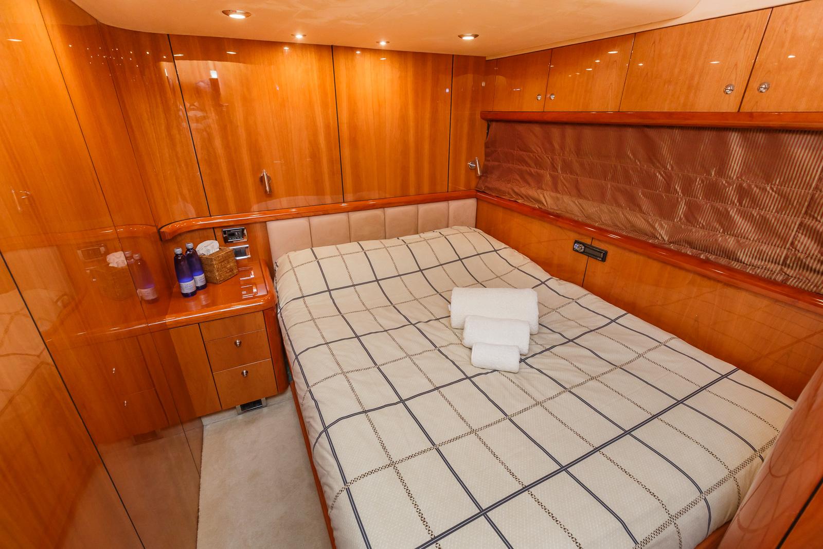 Sunseeker 82 Yacht | Экстрьер 17
