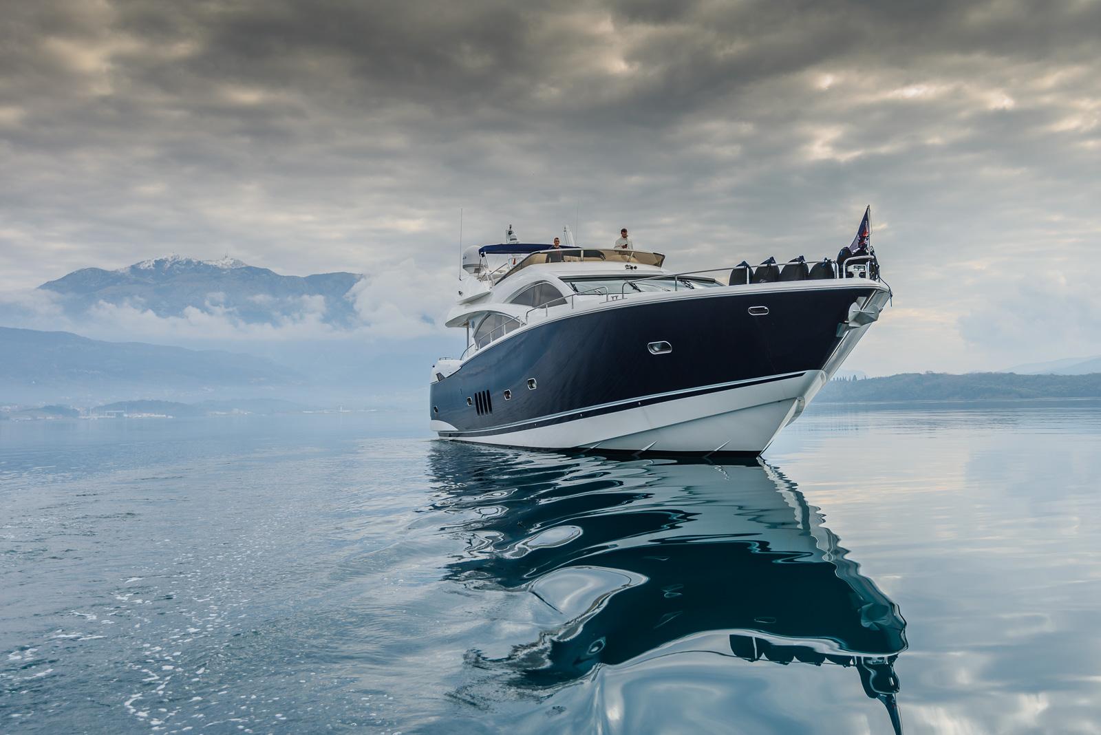 Sunseeker 82 Yacht | Экстрьер 3