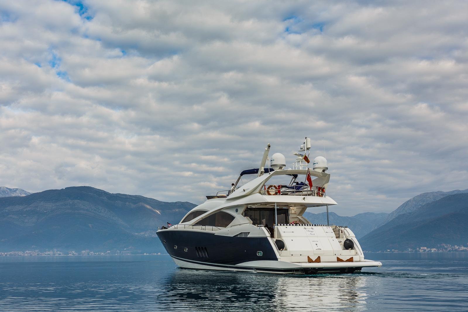 Sunseeker 82 Yacht | Экстрьер 6