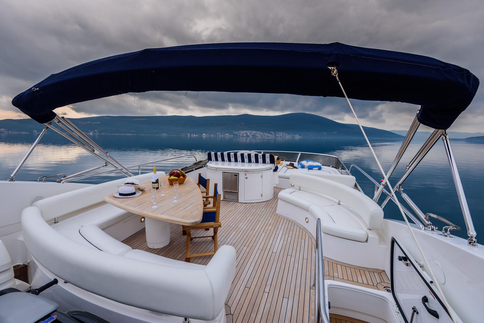 Sunseeker 82 Yacht | Экстрьер 9
