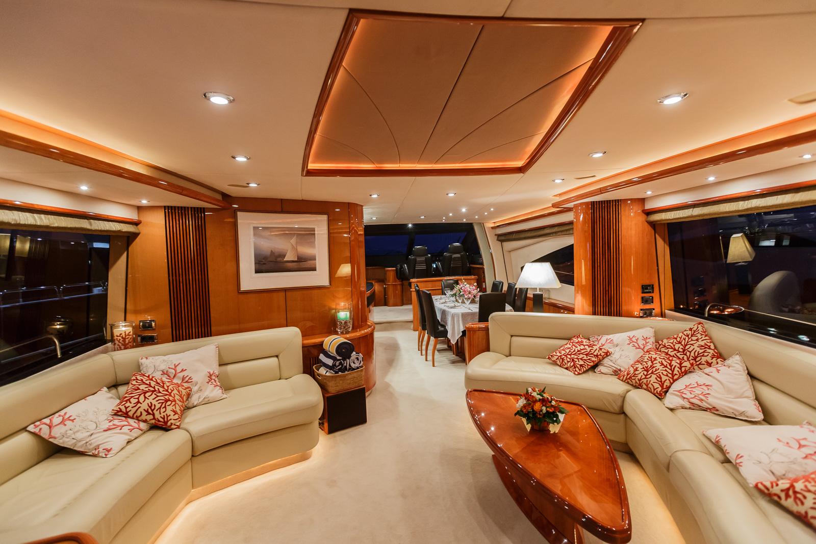 Sunseeker 82 Yacht | Экстрьер 11
