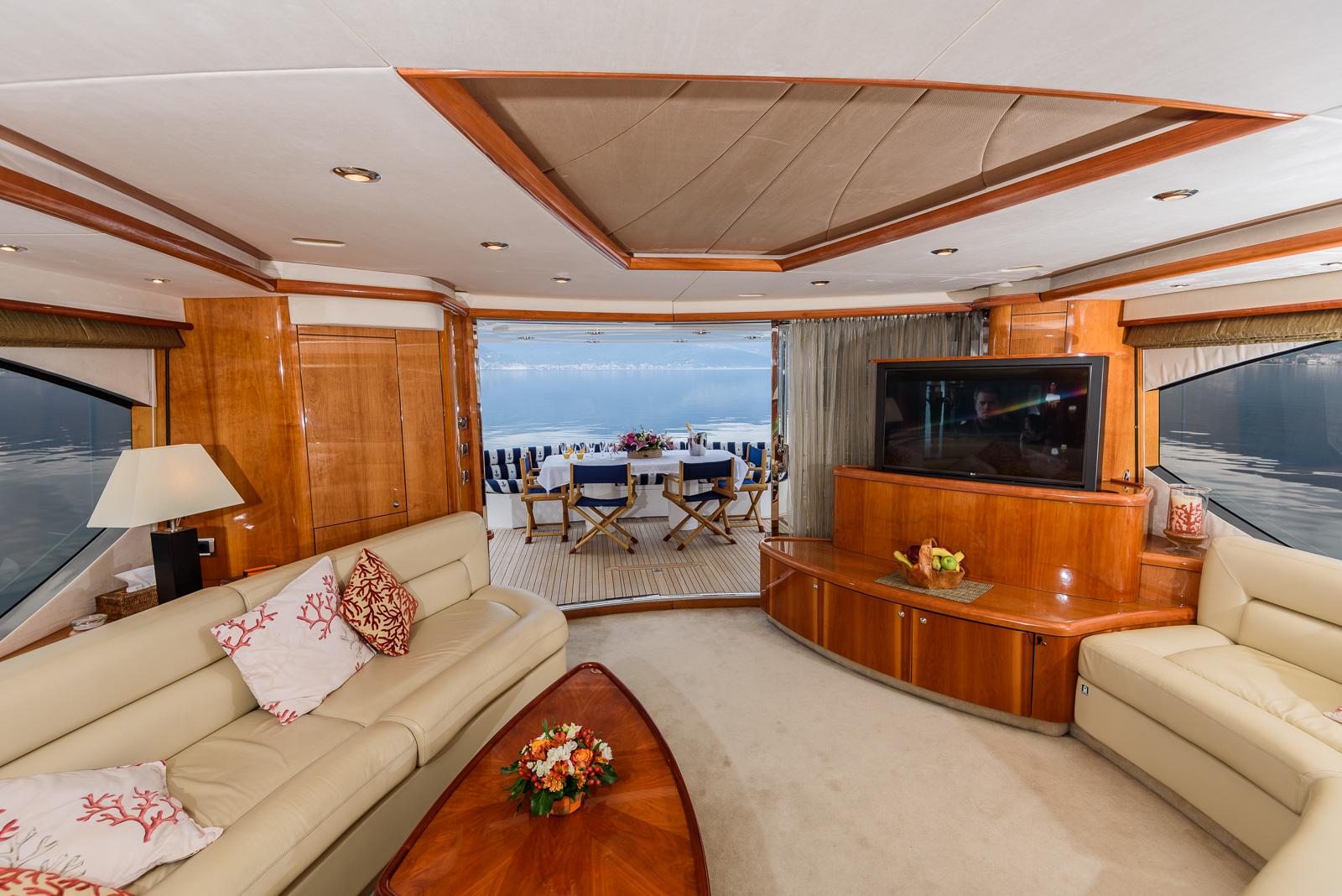 Sunseeker 82 Yacht | Экстрьер 12