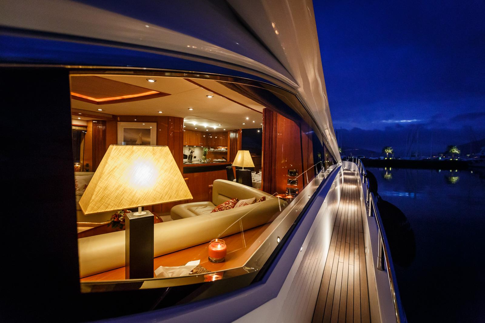 Sunseeker 82 Yacht | Экстрьер 27